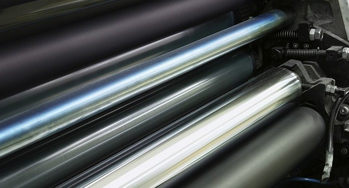 Low-emissivity (reflective) metal rollers