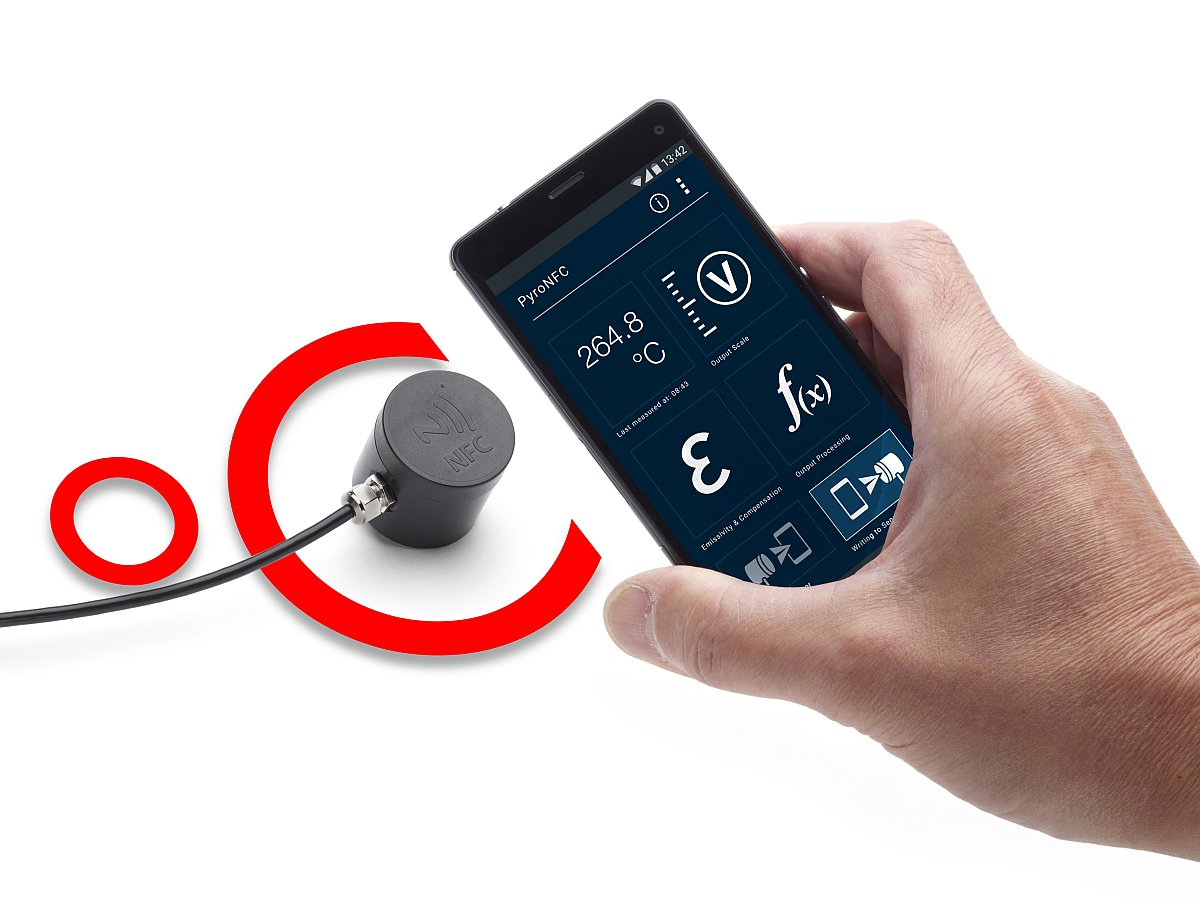 Smallest pyrometer from Calex - the PyroNFC